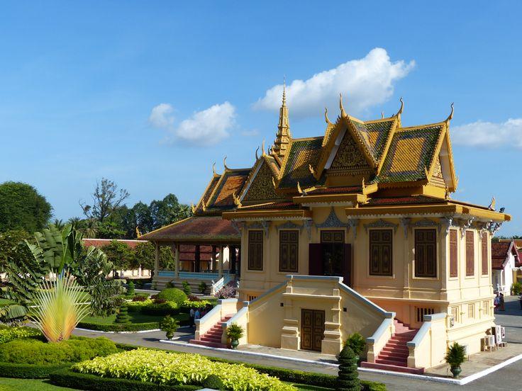 Phnom Penh temples, by Emma Tanner