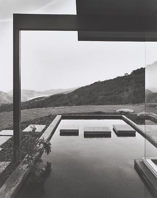 Singleton House, 1960 Los Angeles, CA / Richard Neutra, architect © Julius Schulman