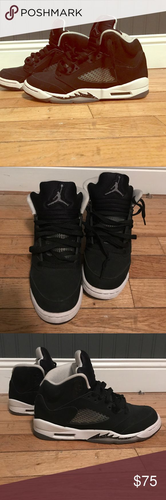 """Air Jordan """"Oreo"""" shoes The Jordan """"Oreos"""" worn a couple of times in great condition and maintained very well. Size 6 in boys. Jordan Shoes Sneakers"""