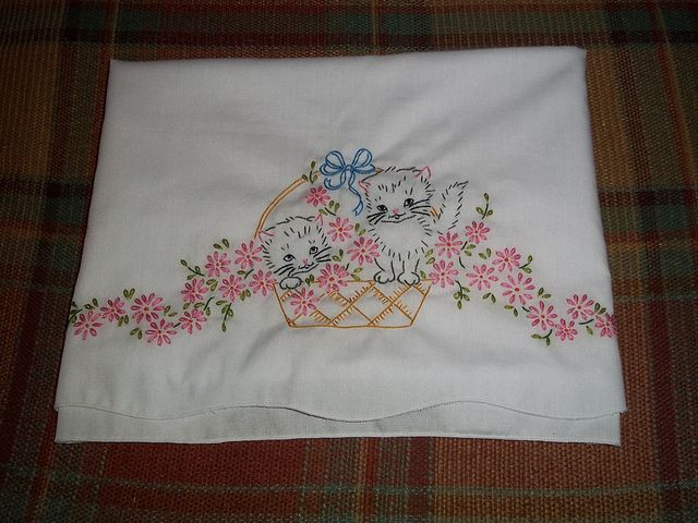 Hand Embroidered Pillowcases & 93 best Embroidery: floral Baskets images on Pinterest ... pillowsntoast.com