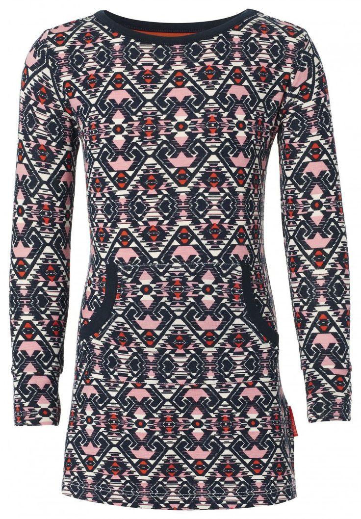Noppies Meisjes Jurkje Lot AOP 55455  Meisjes jurk Lot met etnisch printje is voorzien van kangaroo zak aan de voorzijde. Door de elastan draagt het jurkje zacht en comfortabel. Het jurkje heeft een ronde hals met een contrasterend boordje. Heeft handige drukknoopjes tot en met maat 86. Materiaal: 95% Viscose / 5% Elastomeer  EUR 15.00  Meer informatie