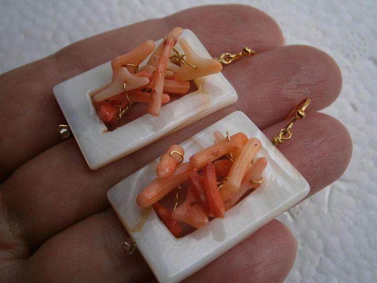 Ohrringe Koralle Ästchen in Perlmutt von kunstpause auf DaWanda.com