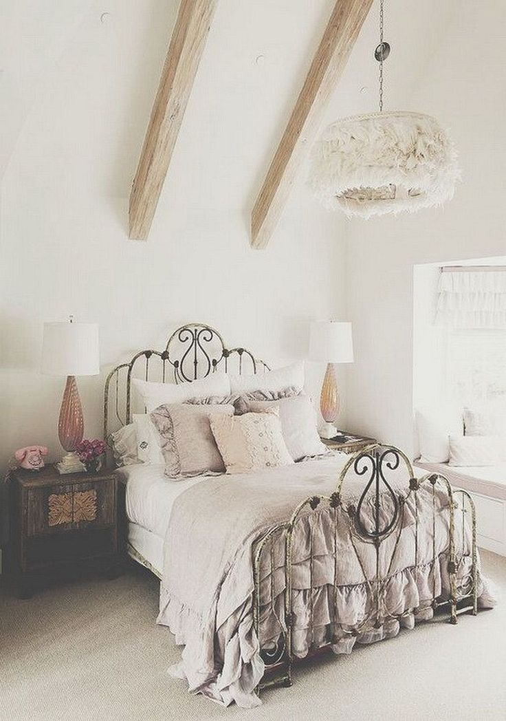 Nice 40+ Romantic Shabby Chic Bedroom Decor and Furniture Ideas https://modernhousemagz.com/40-romantic-shabby-chic-bedroom-decor-and-furniture-ideas/