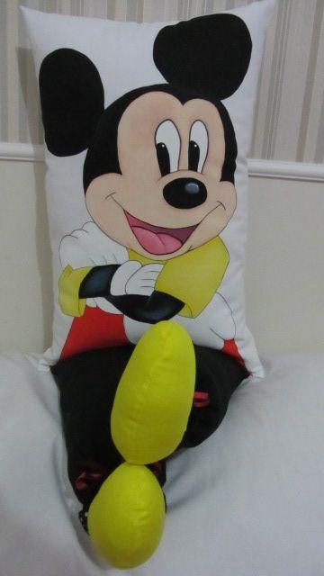 Almofadas de perninha com pintura em tecido   Mickey