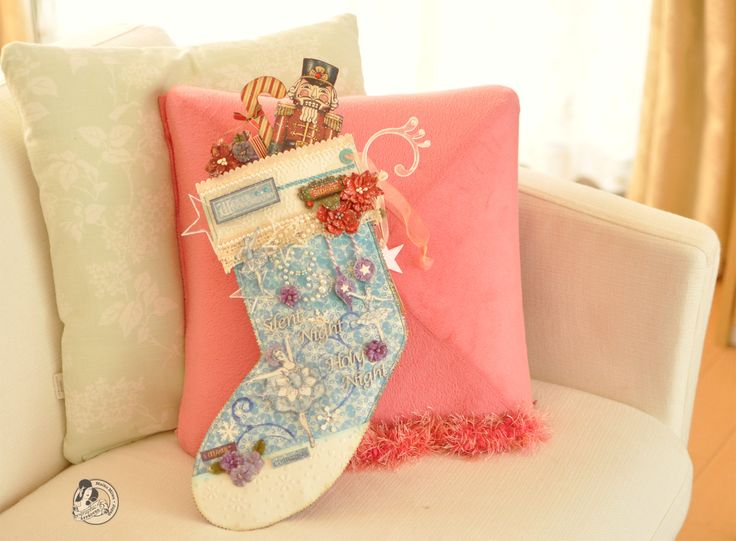 This is the Christmas socks.(opposite side)