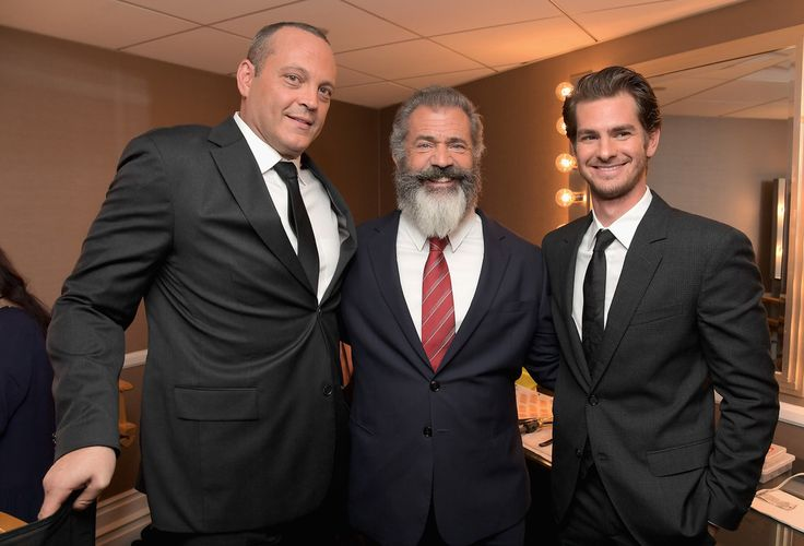 Mel Gibson Photos Photos - (L-R) Actor Vince Vaughn, director Mel Gibson and actor Andrew Garfield pose in the green room during the Hollywood Film Awards on November 6, 2016 in West Hollywood, California. - Hollywood Film Awards -  Green Room