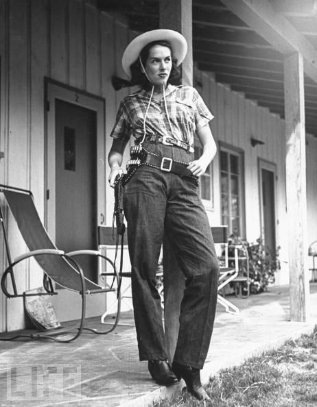 You just know she means business. #vintage #cowgirls #fashion