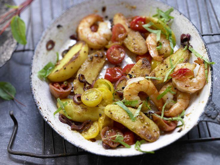 Ganz einfach, aber ganz raffiniert in der Pfanne geschmort: Kartoffelpfanne - mit Garnelen und Sauerampfer - smarter - Kalorien: 386 Kcal - Zeit: 40 Min. | eatsmarter.de