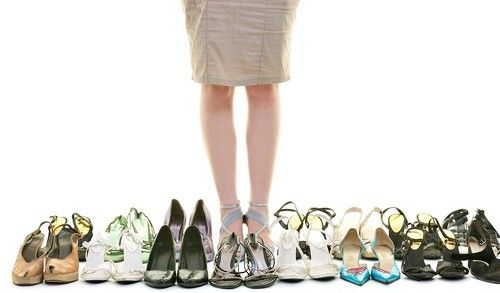 Women like to buy shoes but reluctant to wear, the latest survey revealed startling facts about women's scent. They find that women love to buy and collect shoes, but only about 25 percent wear shoe collection.