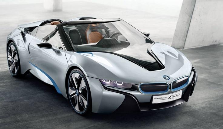 Auto conceptual Spyder de BMW i8: El último modelo de BMW presenta el diseño deportivo de un automóvil descapotable de dos asientos, con tecnología de última generación típica de vehículos híbridos y una arquitectura ultraliviana totalmente innovadora.   (Crédito del texto: www.bmwusa.com)