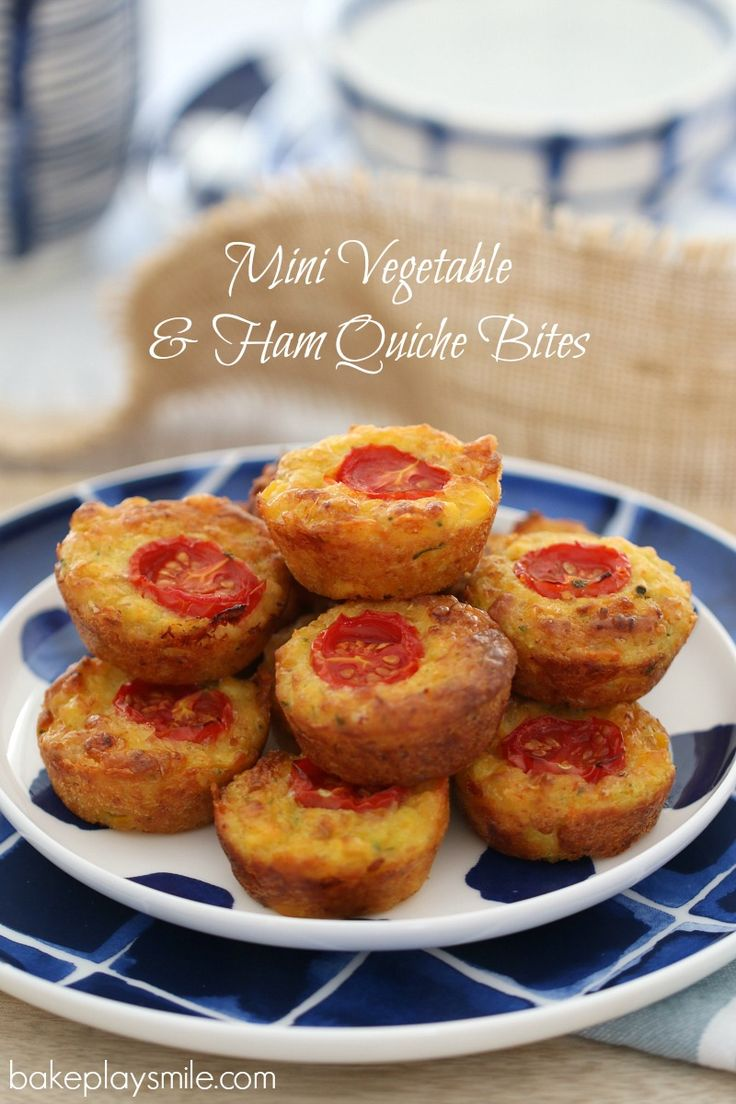 These Mini Vegetable & Ham Quiche Bites are the perfect healthy snack for your little one (or yourself!). They're bite-sized, full of vegetables and yummy! #healthy #kids #snacks #recipe #thermomix #conventional #easy http://bakeplaysmile.com/mini-vegetable-ham-quiche-bites/