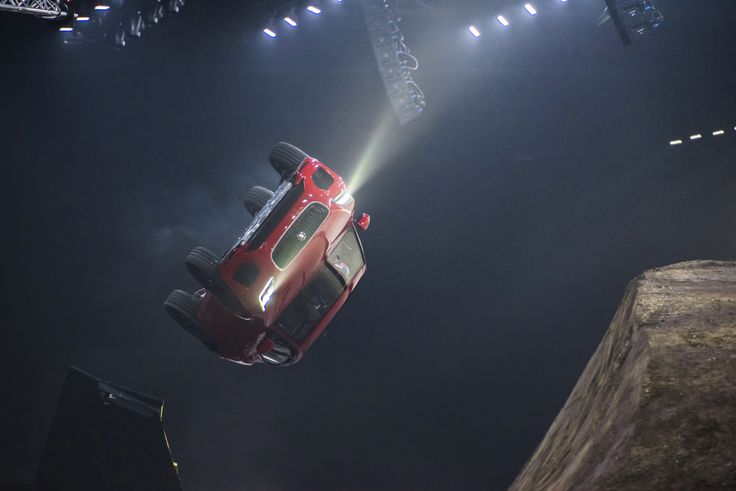 The new Jaguar E-PACE has set an official GUINNESS WORLD RECORDS™ title during its world premiere. The compact performance SUV leapt into the record books with a 15.3 metre-long jump complete with …