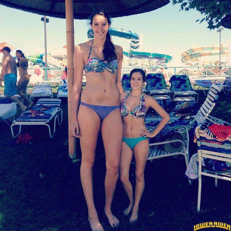 girl-naked-tall-girl-pool-lesbian-masterbating-gif