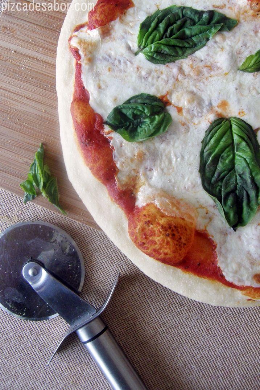 Pizza Margherita (tomate, mozzarella y albahaca) – Pizca de Sabor