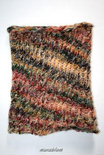 Illy: Scaldacollo unisex in lana, tessuto con telaio manuale.
