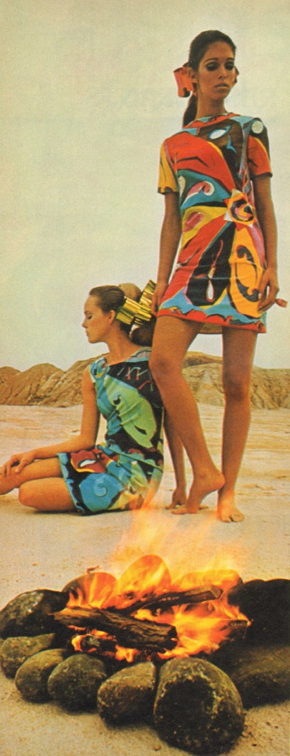 Emilio Pucci Oroscopo print dresses in 2 colorways ~ Look magazine  Nov. 14, 1967 pop art bold graphic print shift dress blue red yellow green late 60s models magazine designer day wear