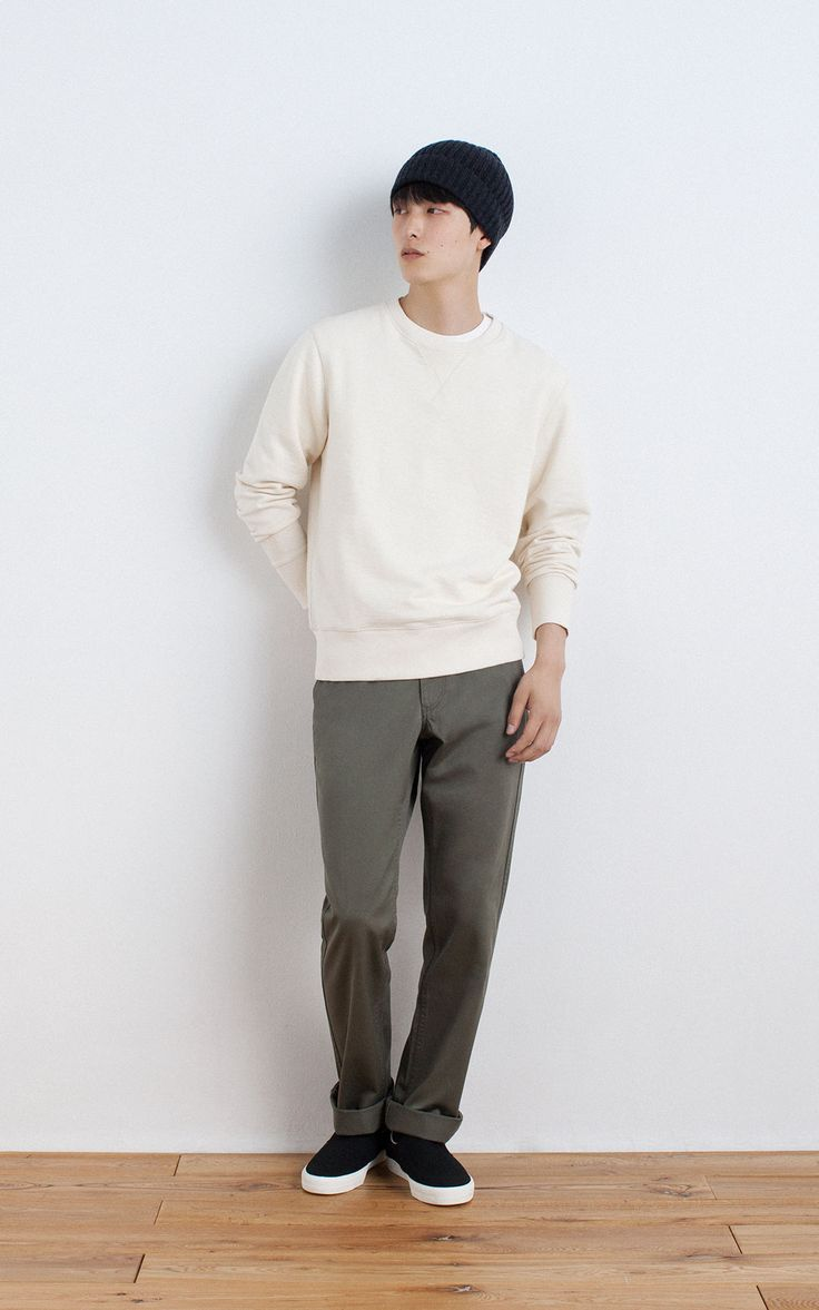 MUJI | OGC UNEVEN YARN FRENCH TERRY SWEAT SHIRT | WEST POINT CLOTH TROUSERS | LESS ITCHINESS WIDE RIBBED KNIT WATCH CAP | BRUSHED SLIP-ON SNEAKERS