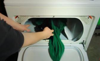 Séchez le linge 2 fois plus rapidement grâce à une astuce simple! Réduisez votre facture d'électricité!