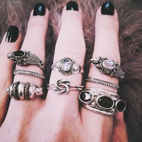 girl jewelry hipster vintage indie ring black Grunge hand dark ...