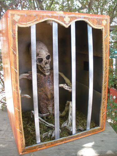 Freak show cage made from cardboard box. Made by Punkineater.