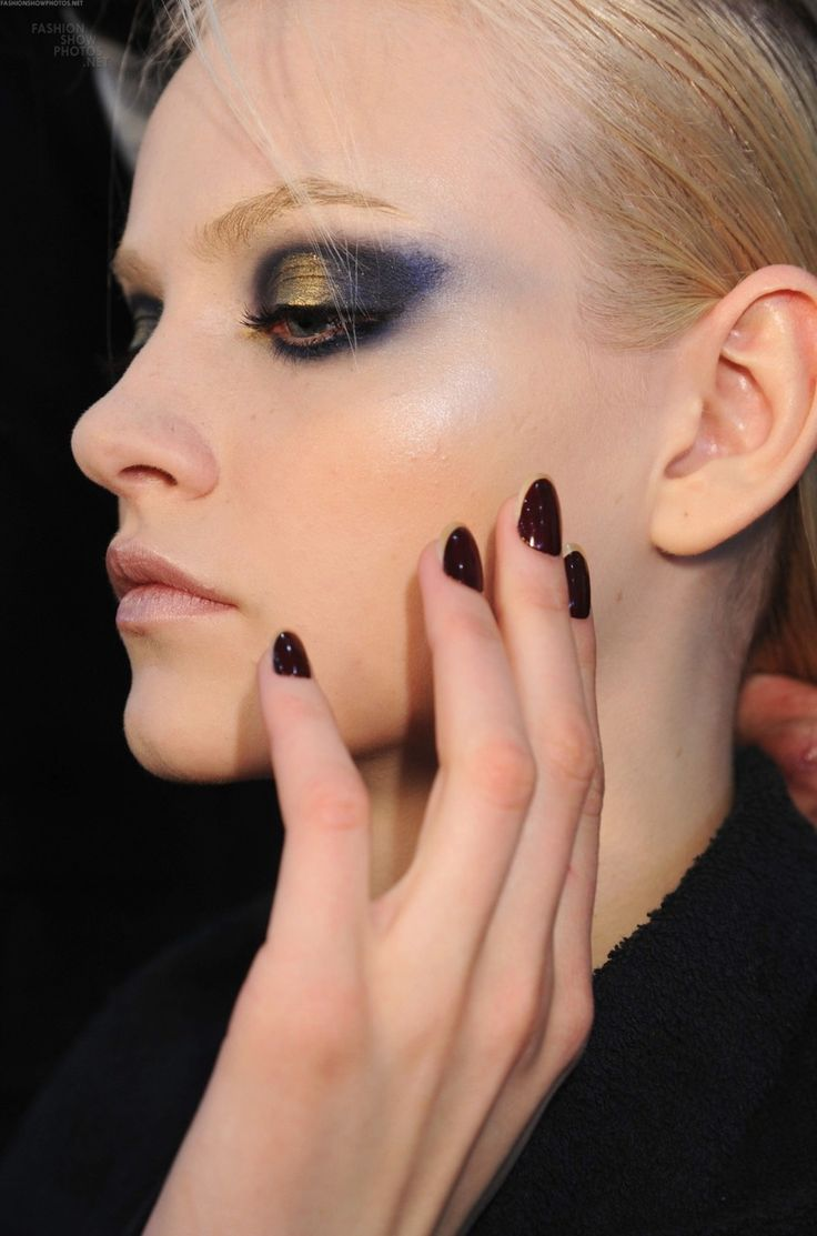 navy gold and deep wine colored nails