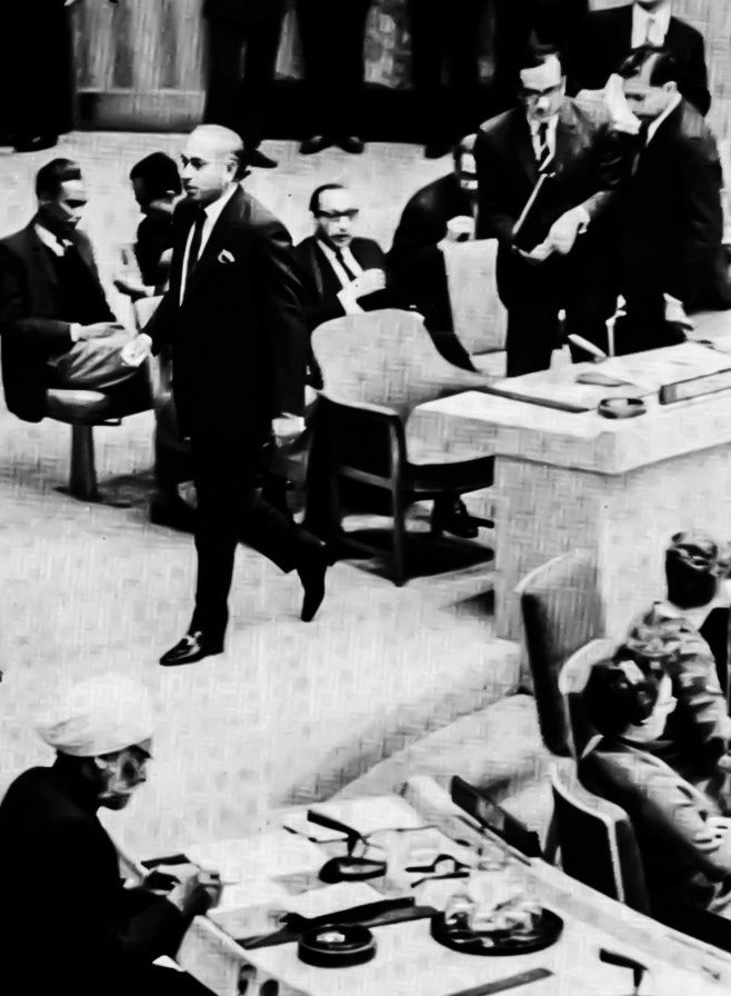 Zulfikar Ali Bhutto walks out of the Security Council, 15 December 1971