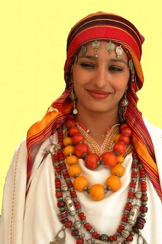 Get inspired, Moroccan Style! http://on.fb.me/1jlOcm1 Africa | Berber Bride from Inezgane, South Morocco
