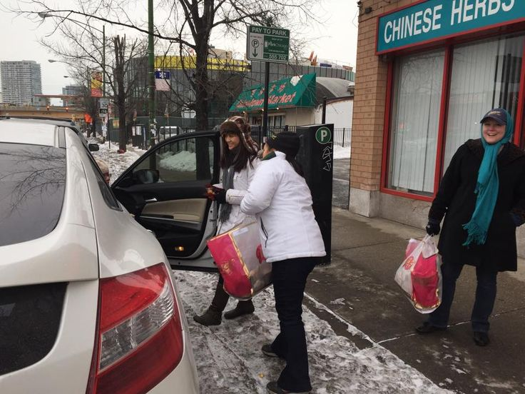 We POPPED up in Chicago's Chinatown for #ChineseNewYear & #HappyFriday to share a Complimentary Treat of Garrett Mix!!! #GarrettCNY