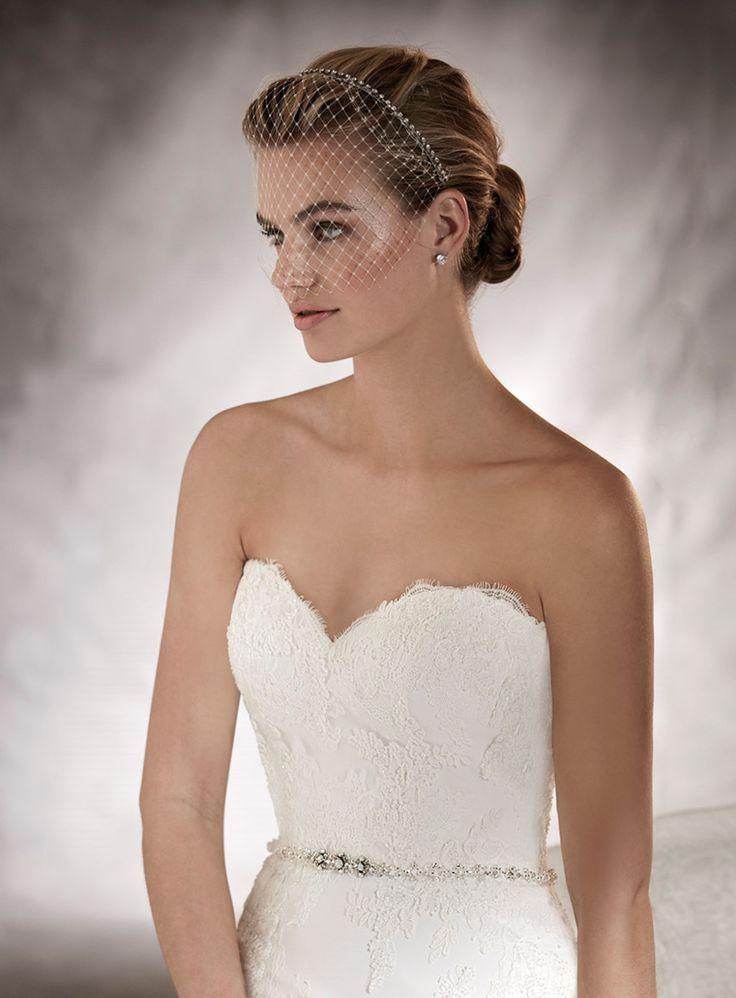 ANKARA - Classic and elegant. Ankara is a wedding dress that leaves everyone speechless despite its simplicity