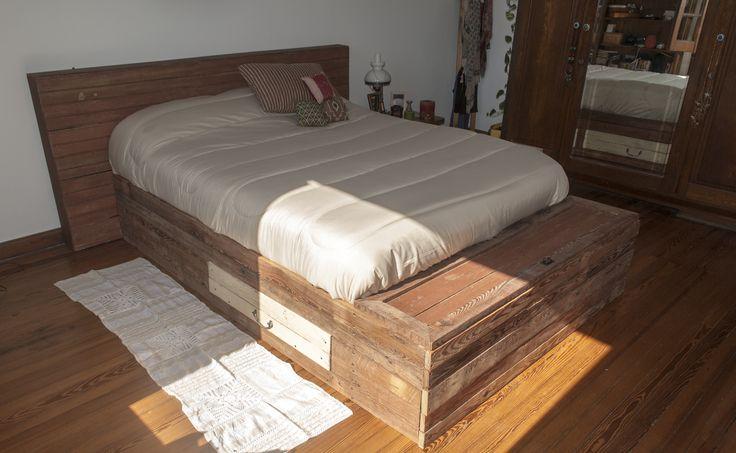 Cama con maderas recicladas WOODHEAD  www.facebook.com/WHMUEBLES