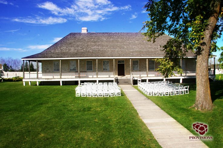 The beautiful Big House at Lower Fort Garry is the perfect location for your rustic wedding.  Provisions Events and Weddings will create the wedding of your dreams!