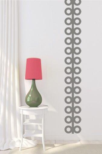 Vinilo adhesivo con motivo geométrico, en color gris, para que combine con cualquier tonalidad de color que tengas en casa.