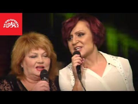 Petra Janů & Věra Špinarová - To máme mládež (Live v Lucerně) - YouTube