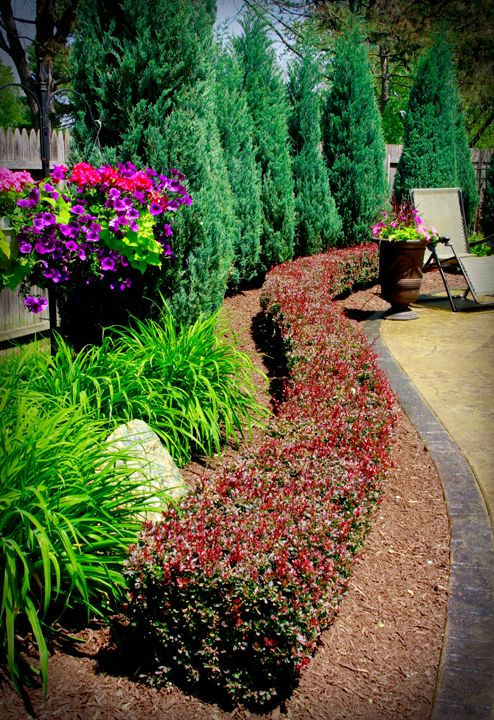 25 best Landscape borders ideas on Pinterest Flower bed