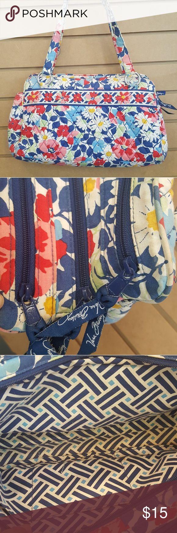 Vera Bradley handbag Vera Bradley handbag Vera Bradley Bags Shoulder Bags