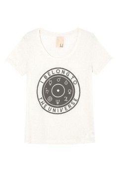 T-shirt belong FYI