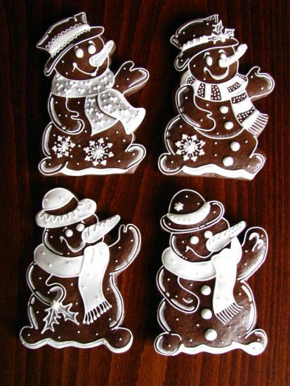 ❥ gingerbread men - i doubt i would ever make them but it is such a cute idea