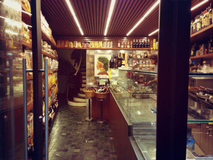 5 Secret Restaurants in Paris - L'Etage de Pastavino - Saint Germain. Pinned by www.mygrowingtraditions.com