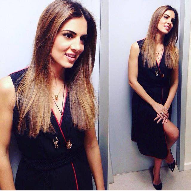 ΣΤΑΜΑΤΙΝΑ ΤΣΙΜΤΣΙΛΗ Stamatina Tsimtsili in Mourtzi shoes www.mourtzi.com #mourtzi #shoes #stamatinatsimtsili #pumps #wearblack #greekfashion