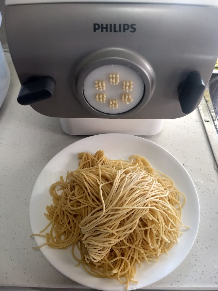 Philips pasta and noodle maker for all pasta and noodle lovers.