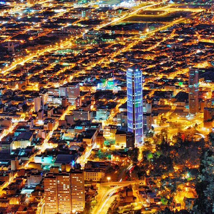 Bogota Nocturna #EasyFly Viaja a tu #DestinoFavorito en www.easyfly.com.co/Vuelos/Tiquetes/vuelos-desde-bogota