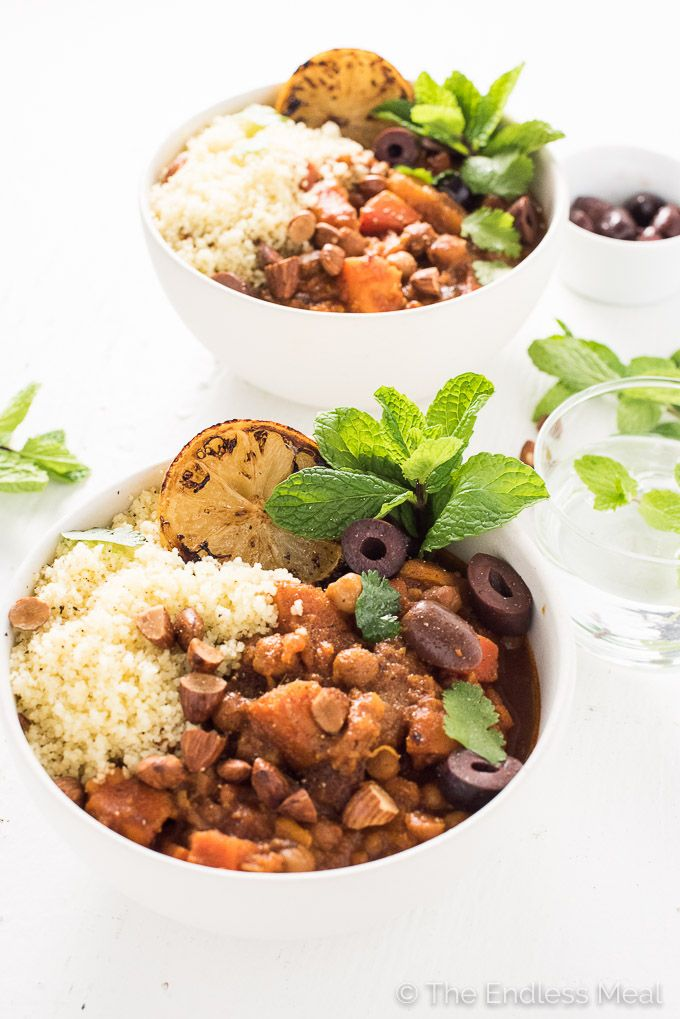 Cinnamon-Scented Vegetarian (and vegan!) Crock Pot Moroccan Tagine makes a super healthy and delicious dinner recipe.  | theendlessmeal.com