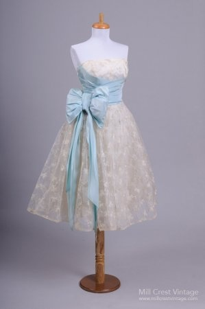1950's Silver Clover Embroidered  Party Dress