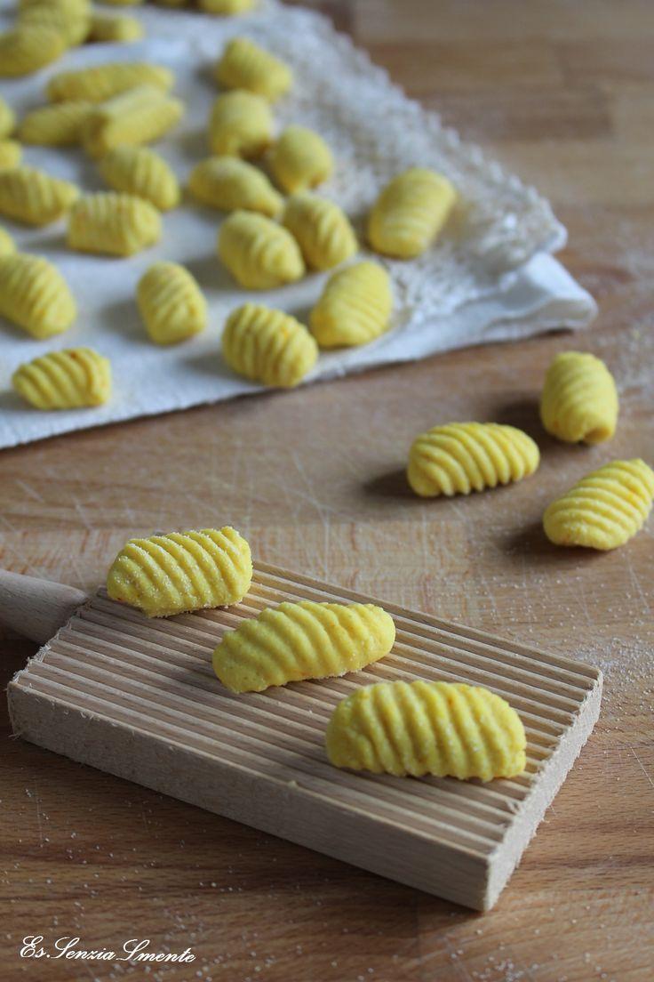 Gnocchi senza patate, uova e lattosio Una #ricetta facile e veloce per ottenere una pasta fresca fatta in casa che tiene benissimo la cottura!