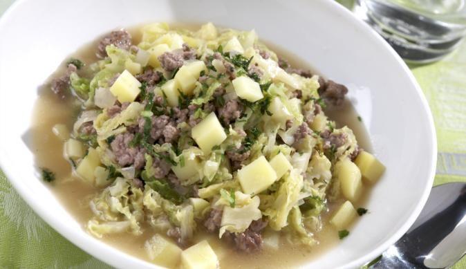 Für Anhänger der rustikalen Küche – Unser Wirsingtopf mit Hackfleisch und Kartoffeln