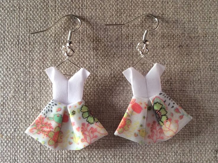 Boucles d'oreille robes à fleurs en origami : Boucles d'oreille par p-tite-pomme