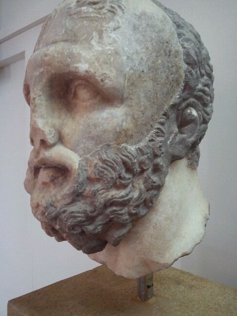 Hercules - delphi greece