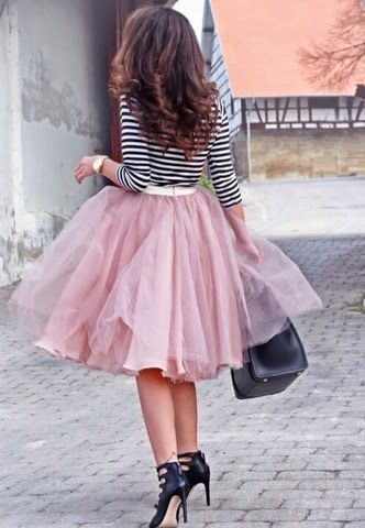 Social Wardrobe: Tulle skirt and striped tee