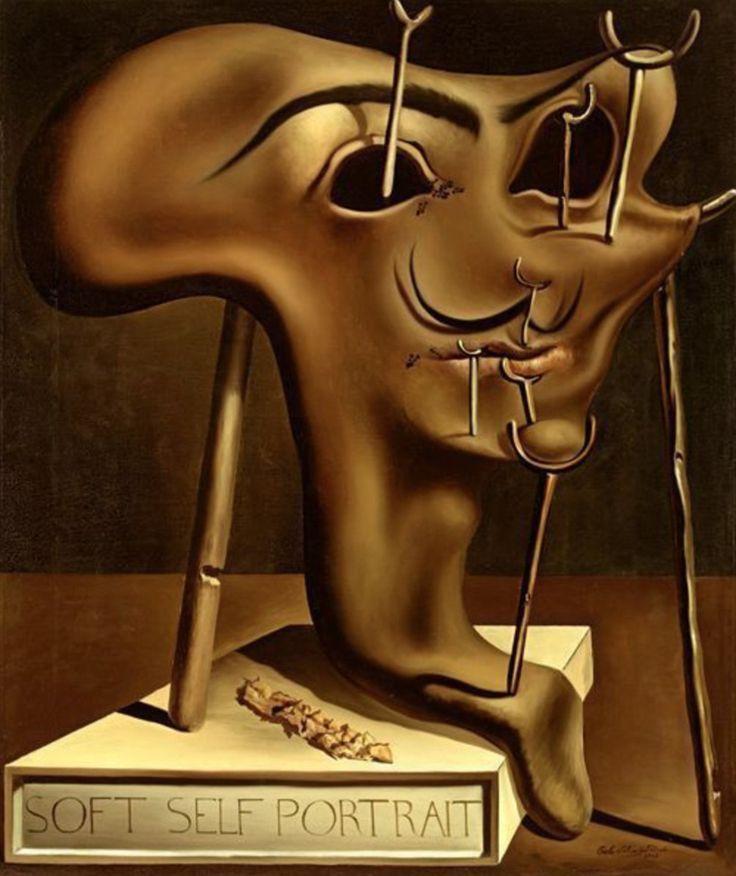 Autorretrato blando con tocino frito (1941) Salvador Felipe Jacinto Dalí i Domènech (Figueras 11 de mayo de 1904-ibídem 23 de enero de 1989) fue un pintor escultor grabador escenógrafo y escritor español del siglo XX. Se le considera uno de los máximos representantes del surrealismo. Sus habilidades pictóricas se suelen atribuir a la influencia y admiración por el arte renacentista.   CulturaColectivArte #art #arte #artist #artincanvas #Dali #surrealismo #autorretrato #PinCCArte…