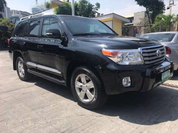 """Protect Yourself Ready Unit Bullet Proof Level 6 2013 Toyota Land Cruiser VX """"BULLET PROOF"""" by Streit Armoring Dubai Leather Interior Run Flat Tires Call 09209066805 for more info or click image for price #bulletproof  #bulletprooflc200 #landcruiserarmored #autotradephils  Please LIKE, LOVE and SHARE this Bullet Proof Vehicle For Sale"""